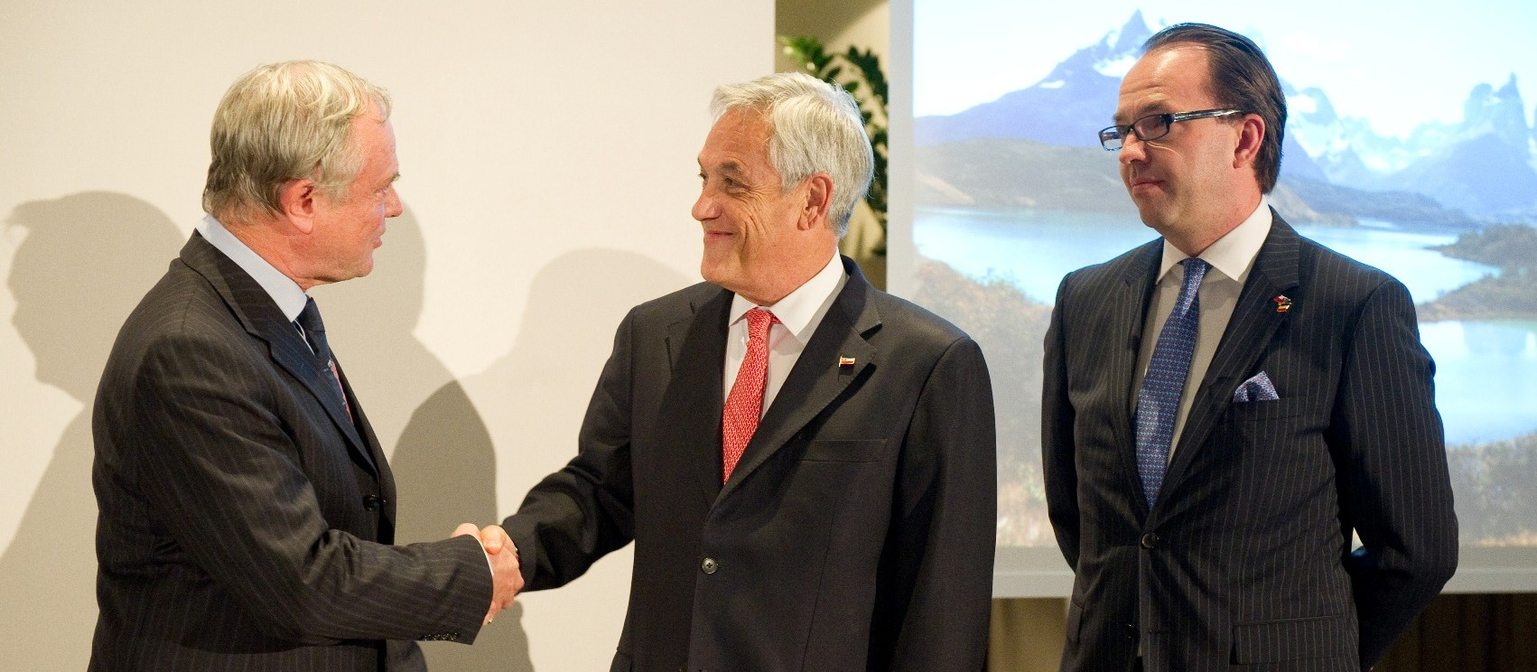 """Signature of a cooperation agreement creating the """"Belgo-Chilean Economic Council"""""""